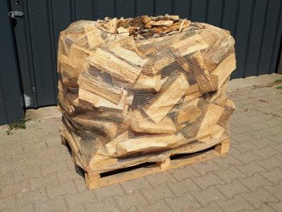 brennholz schuettraummeter auf palette
